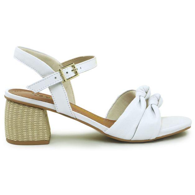 Sandália branca com tiras e nó 33