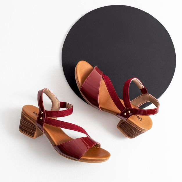 Sandália verniz vermelha 33