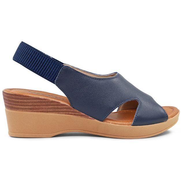 Sandália azul com recortes 33