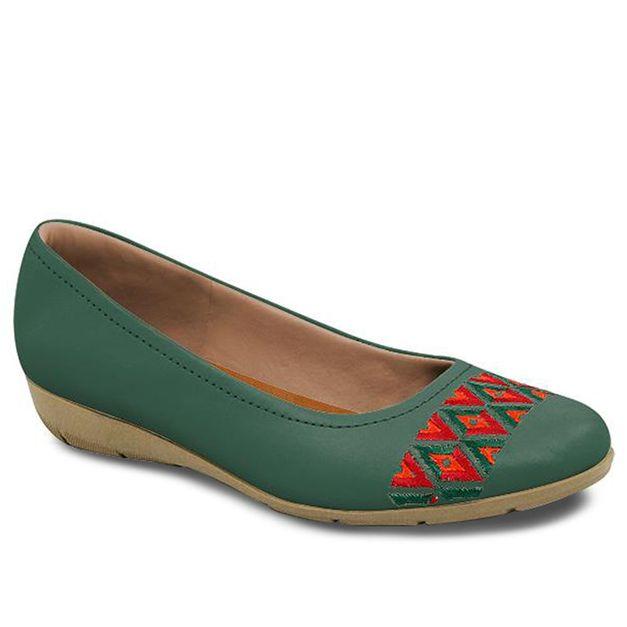 Sapatilha com bordado verde 35