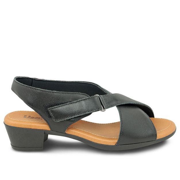 Sandália preta com velcro 37
