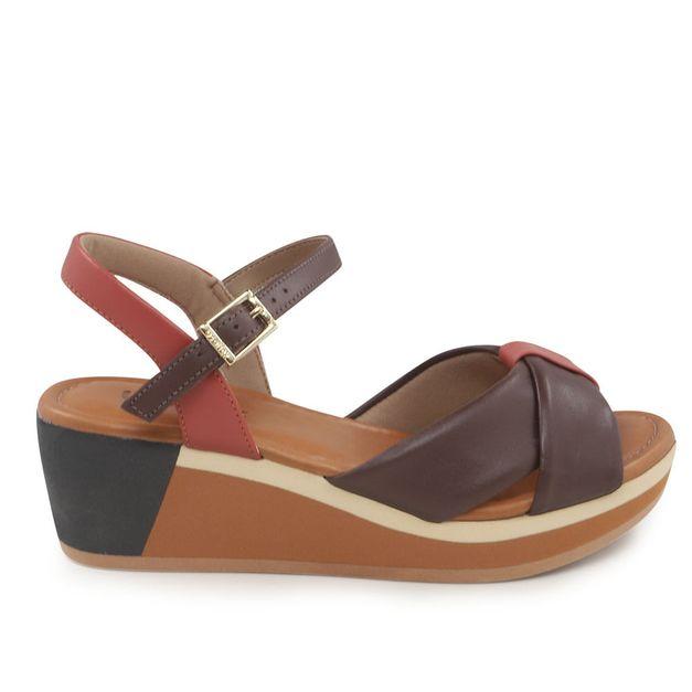 Sandália com tiras vermelho e chocolate 35