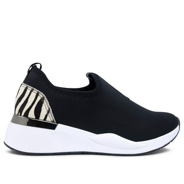 Tênis slip on preto com zebra 33