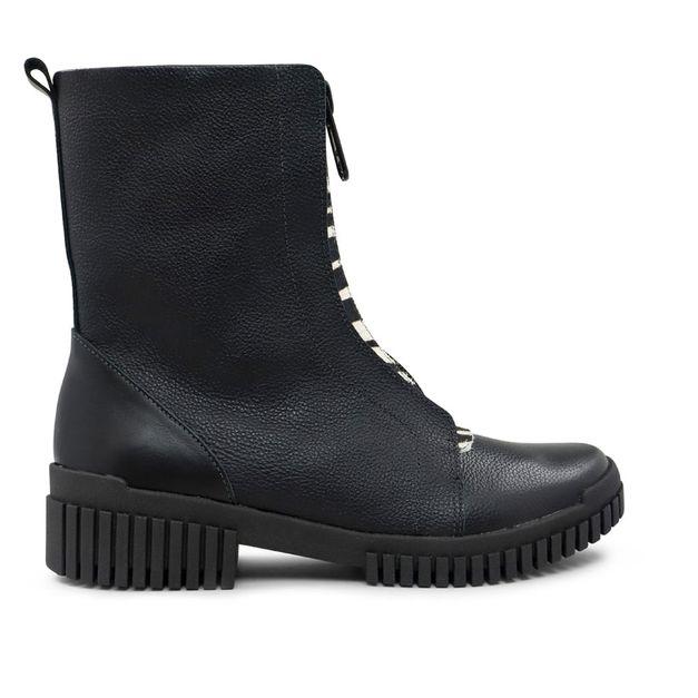 Flexy boot preta com detalhe pelo zebra 33