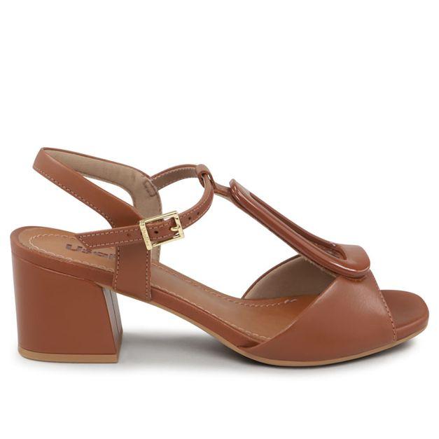 Sandália marrom canela 33