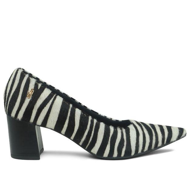 Scarpin pelo zebra bico fino 33