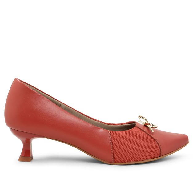 Scarpin vermelho urucum kitten heel com lacinho 33
