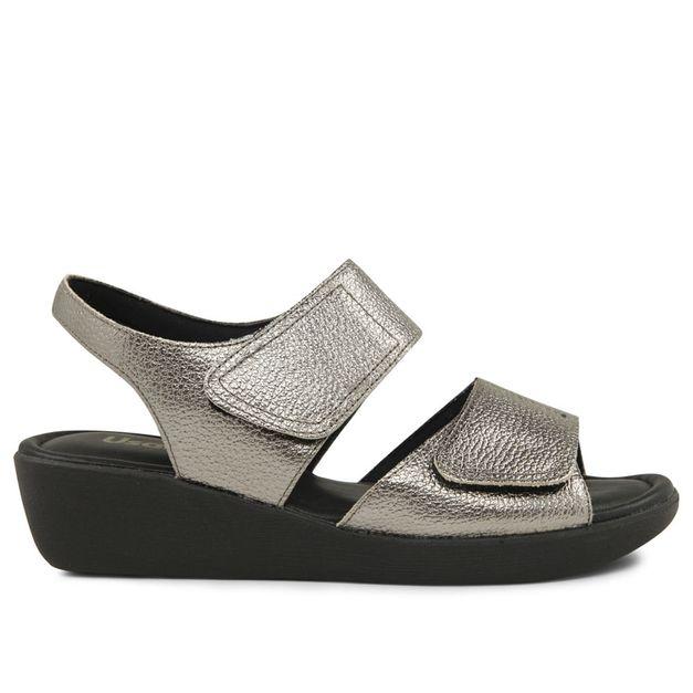 Sandália com velcro metalizado aço 34