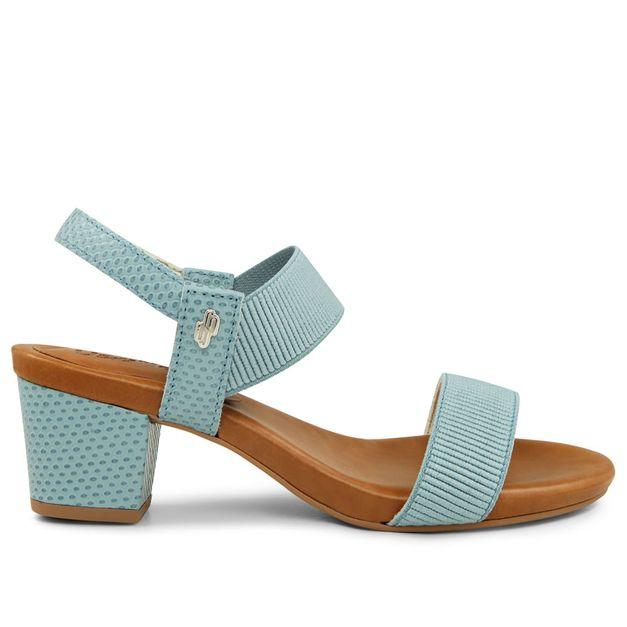 Sandália azul claro com elástico 35